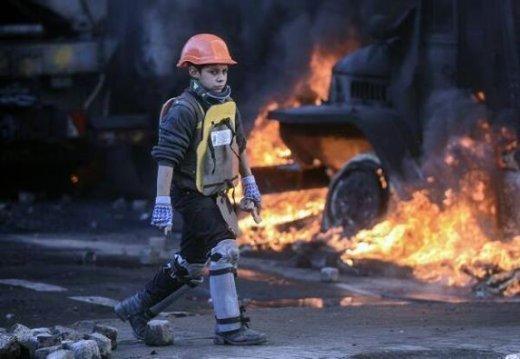 [Région Ukraine] : Contre le régime de Kiev et la junte de l'Est ! child-of-maidan-fa02e
